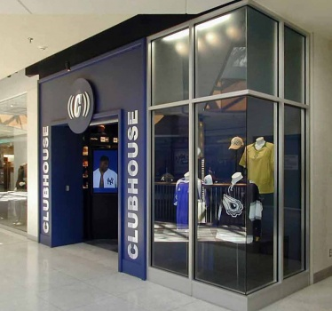 Clubhouse Sport, Rideau Centre, Ottawa, branding signage